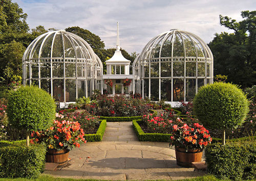 Lawn Aviary, Birmingham Botanical Gardens, Edgbaston, Birmingham. Nikon D100 & 18-35mm Nikkor. Circular polarising filter. (Nikon D100_1038_009.tif)